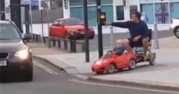 儿子上醉酒的妈妈_【大千世界】爸醉酒 妈不管 5岁儿开车去接…